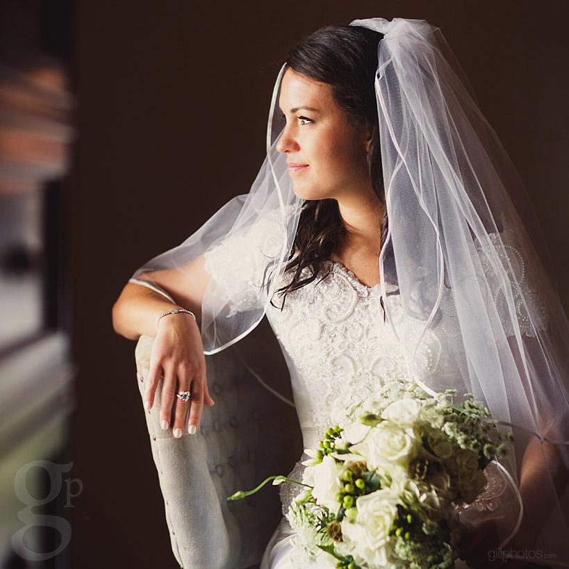 IMAGE: http://www.gillphotos.com/wp-content/uploads/2014/01/Farm-at-Brusharbor-Wedding-North-Carolina-18.jpg
