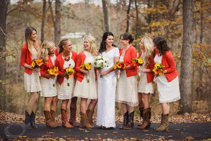 IMAGE: http://www.gillphotos.com/wp-content/uploads/2014/01/Farm-at-Brusharbor-Wedding-North-Carolina-24.jpg