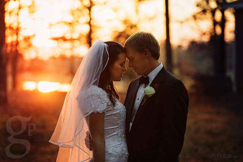 IMAGE: http://www.gillphotos.com/wp-content/uploads/2014/01/Farm-at-Brusharbor-Wedding-North-Carolina-60.jpg