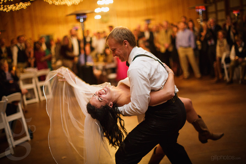 IMAGE: http://www.gillphotos.com/wp-content/uploads/2014/01/Farm-at-Brusharbor-Wedding-North-Carolina-65.jpg